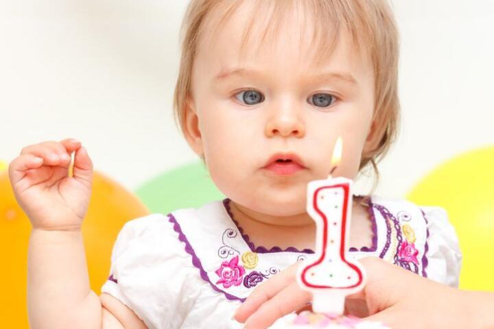 bambina 1 anno