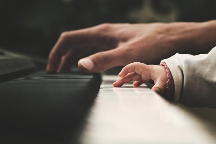 avvicinare bambini alla musica