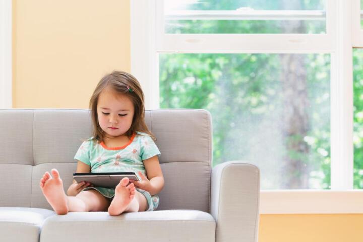 tv ,sonno attività bambini 0-5 anni