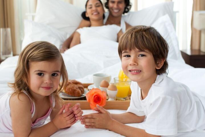 colazione a letto famiglia
