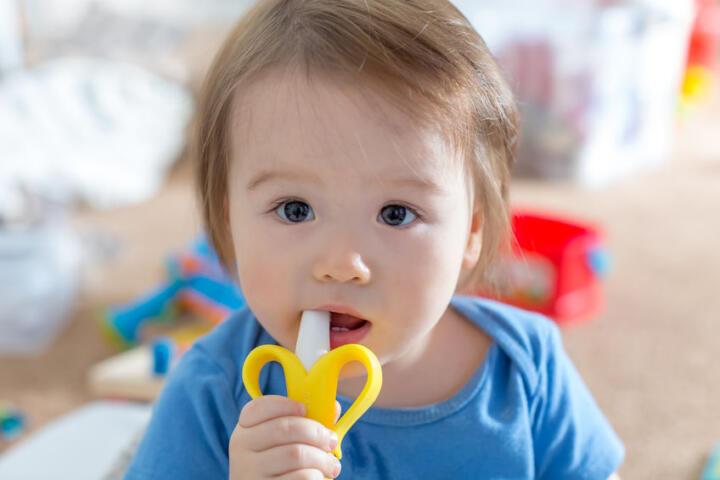 bambini spazzolino dentifricio