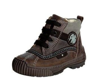 Sull abbigliamento per bambini di solito non mi interessano le marche ma i  tessuti. Con le scarpe invece cerco (o almeno spero) di andare sul sicuro. 8e5f10b8e46
