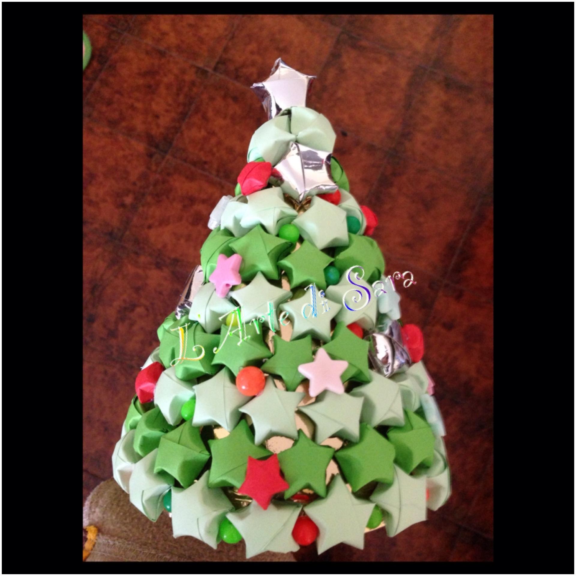 Stelle Di Natale Da Costruire come creare un albero di stelle per la scrivania del papà