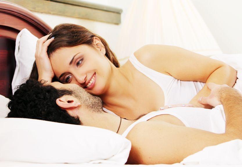 4 posizioni per favorire il concepimento e rimanere - Posizioni per fare l amore a letto ...