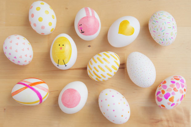 Lavoretti pasqua ecco come decorare le uova insieme ai bambini - Uova di pasqua decorati a mano ...