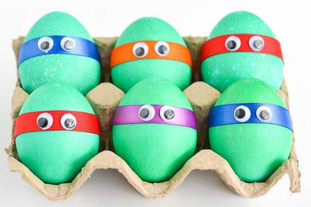 Lavoretti pasqua ecco come decorare le uova insieme ai - Uova decorate per bambini ...