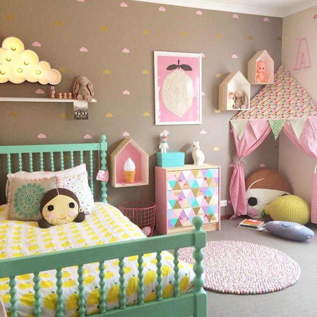 6 idee creative per dipingere le pareti della cameretta for Idee per dipingere pareti