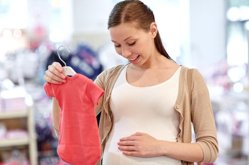 new product 1eb31 33c8f Abbigliamento premaman on line: 15 shop dove acquistare con ...