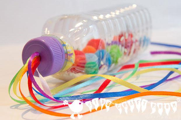 Giochi con bottiglie di plastica