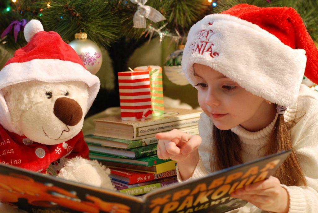 Regali Di Natale Per Nonni.Nonni Vizi E Troppi Regali Sono Dannosi Per I Bambini